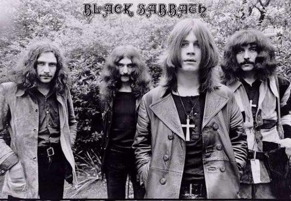 Capítulo 1: Nativity In Black