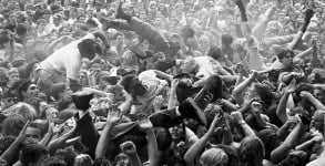 Mosh-Pit-at-Endfest