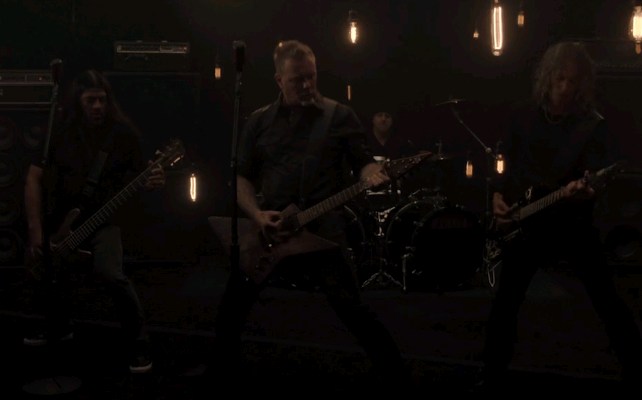 Metallica lança clipe de música nova, Moth Into Flame