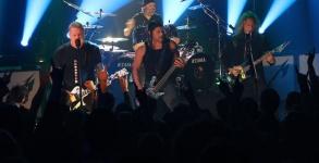 Metallica caridade