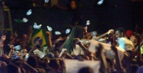 Carlinhos-Brown-no-Rock-in-Rio-2001