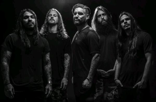 Vocalista do Suicide Silence defende novo som da banda