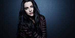 Amy Lee Single