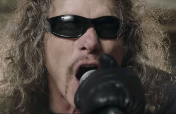 Overkill lança novo clipe, Shine On