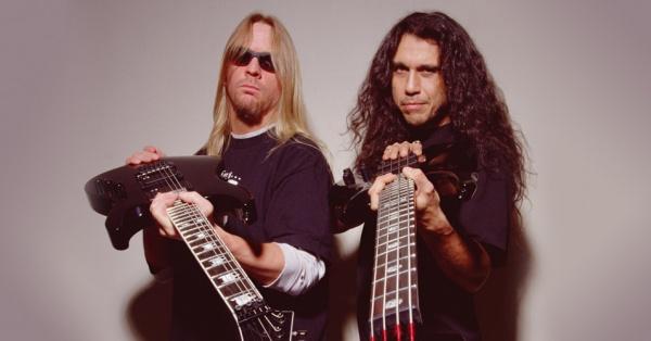 Tom Araya fala sobre a falta de Jeff Hanneman