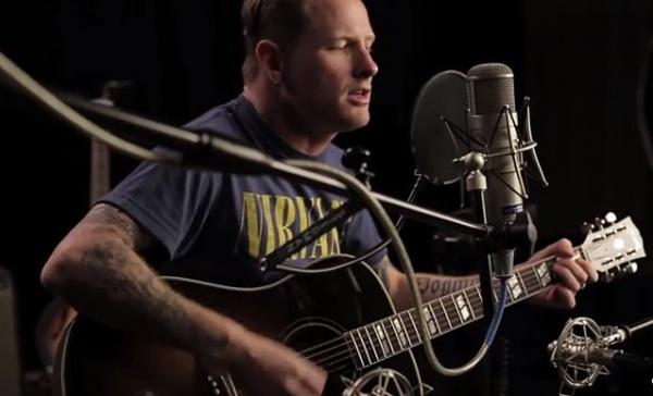 Corey Taylor faz versão acústica da nova do Stone Sour, Song #3