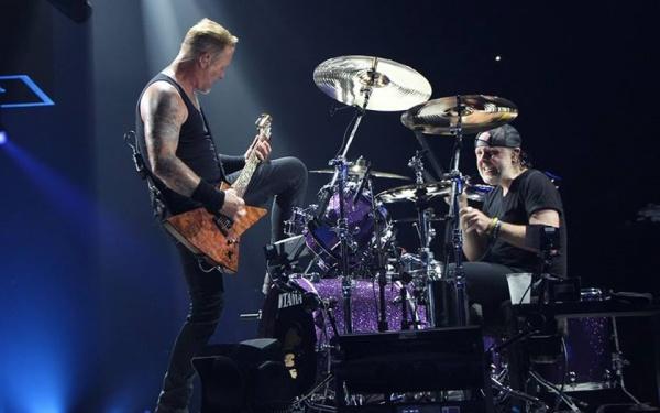 """Veja: Metallica toca """"ManUNkind"""" ao vivo pela primeira vez"""