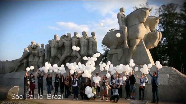 Linkin Park posta vídeo de agradecimento aos fãs com cenas no Brasil