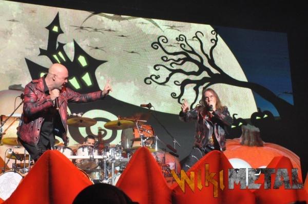 Confira Helloween com Michael Kiske e Kai Hansen na Pumpkins United Tour
