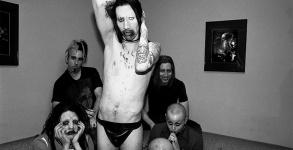 Marilyn Manson posta foto em homanagem ao colega falecido Daisy Berkowitz