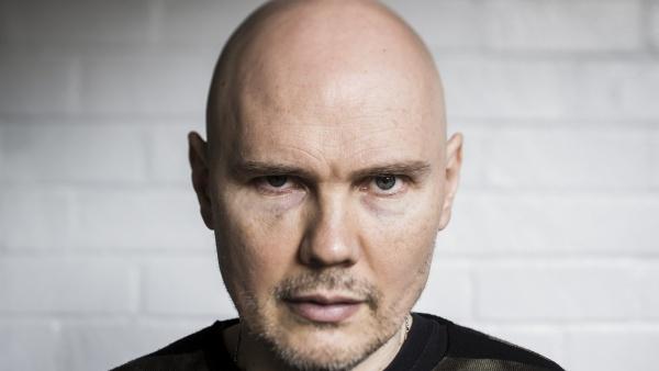 """Billy Corgan fala sobre Nickelback e diz que """"Música pop é pornografia"""""""