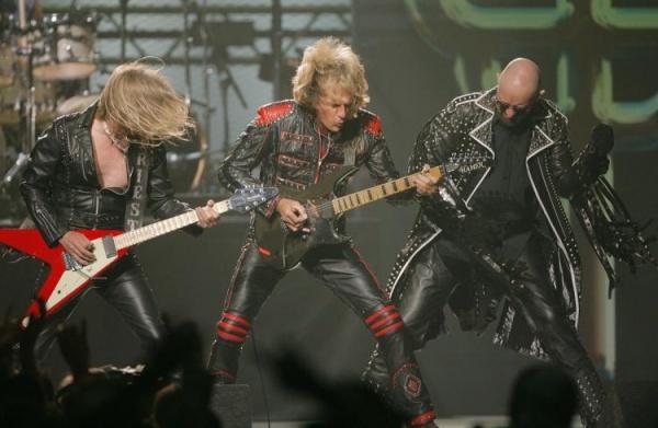 Judas Priest ainda mantém pequena vantagem na votação e Rob Halford pede ajuda aos fãs