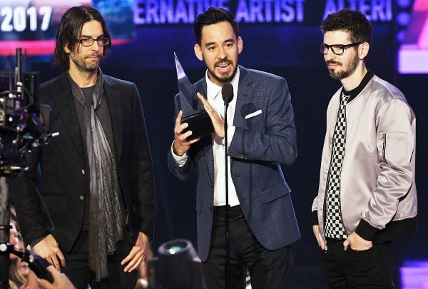 Linkin Park dedica prêmio do American Music Awards a Chester Bennington