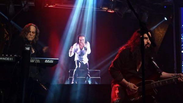 Dio em Holograma aparece em novos vídeos; assista
