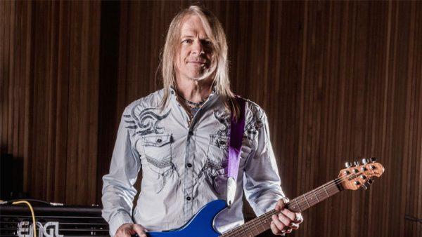 """Conversamos com Steve Morse do Deep Purple: """"Nós amamos fazer música. É um hábito"""""""