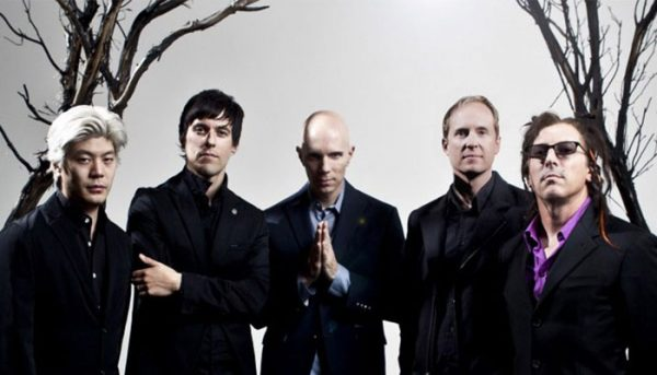 "A Perfect Circle lança novo single do próximo álbum; ouça ""Disillusioned"""