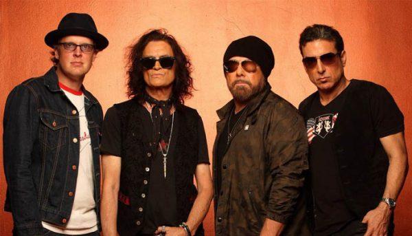 Black Country Communion: Novo clipe mostra integrantes da banda em estúdio; assista