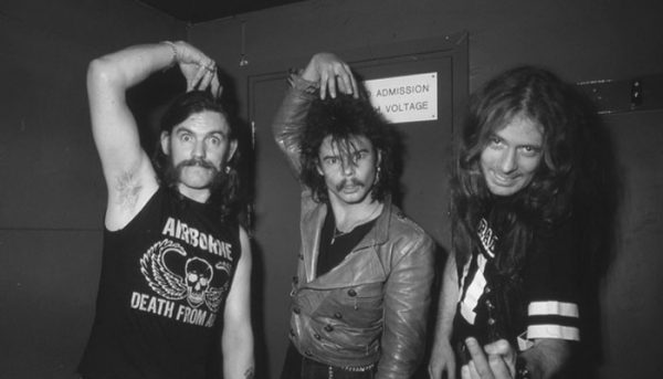 """Fast"" Eddie Clarke, ex-guitarrista do Motörhead, morre aos 67 anos"
