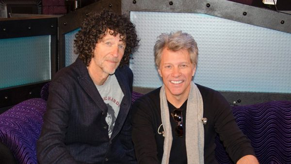 Howard Stern fará o discurso de introdução de Bon Jovi no Rock And Roll Hall Of Fame