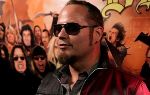 """Tim Ripper Owens fala sobre a turnê com o holograma de Dio """"Nós não fazemos isso por dinheiro"""""""