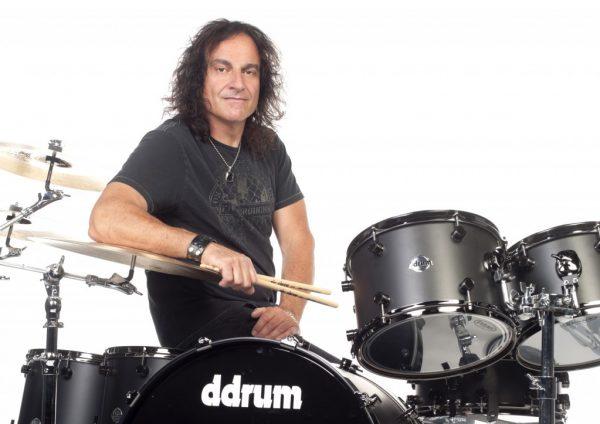 Ex-baterista do Black Sabbath, Vinny Appice, toca com banda brasileira