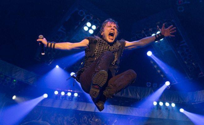 """Iron Maiden toca """"Flight of Icarus"""" pela primeira vez em 32 anos"""