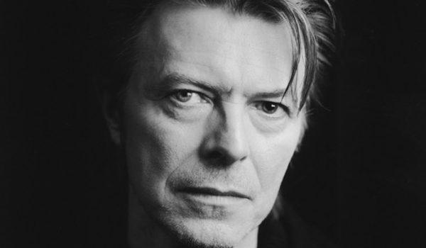 David Bowie escolheu suicídio médico assistido, segundo biógrafa