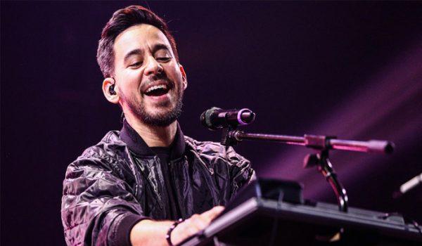 Mike Shinoda toca música do Linkin Park com colega de banda em primeiro show solo