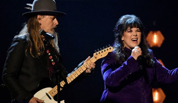 Jerry Cantrell e Ann Wilson apresentam homenagem a Chris Cornell no Hall Of Fame