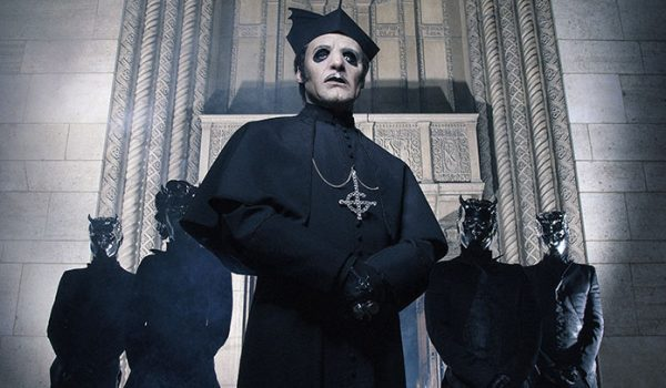 """Ghost anuncia novo álbum e lança clipe insano para a inédita """"Rats""""; assista"""