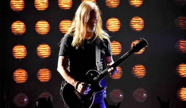 Alice in Chains faz homenagem a Chris Cornell durante festival Rock on the Range