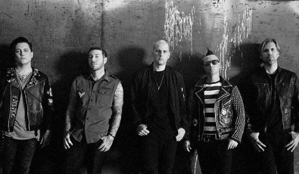 """Vocalista do Avenged Sevenfold quer que o metal """"Seja levado a sério na cultura moderna"""""""