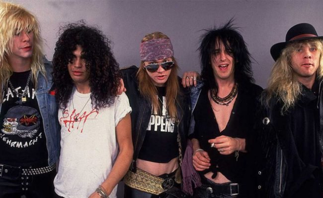 "Guns N' Roses: Clipe de ""November Rain"" bate recorde no YouTube"