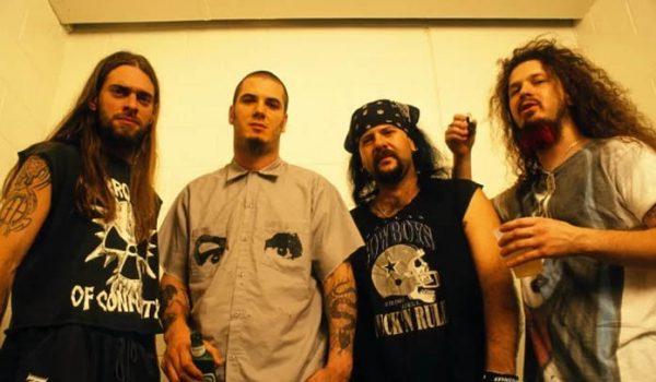 Pantera lança disco ao vivo gravado durante o Dynamo Open Air 1998