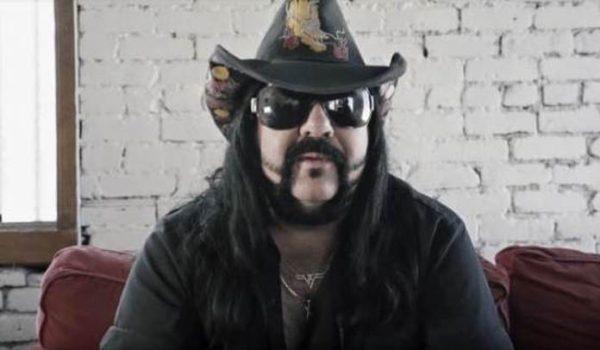 Membros do Korn, Gwar, Deftones e Godsmack se juntam em tributo a Vinnie Paul; assista vídeos