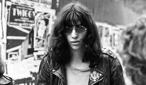 Joey Ramone é eleito o integrante preferido dos fãs de Ramones
