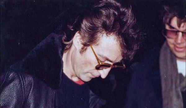 Assassino de John Lennon revelou seus planos à esposa dois meses antes de cometer o crime