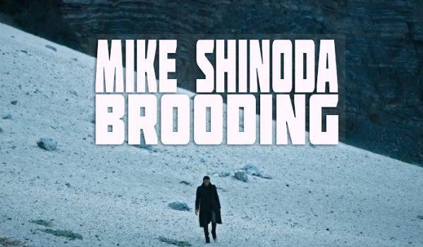 """Mike Shinoda lança vídeoclipe para nova música """"Brooding""""; assista"""