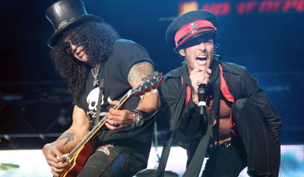 Slash revela que experiência com o Velvet Revolver não foi boa