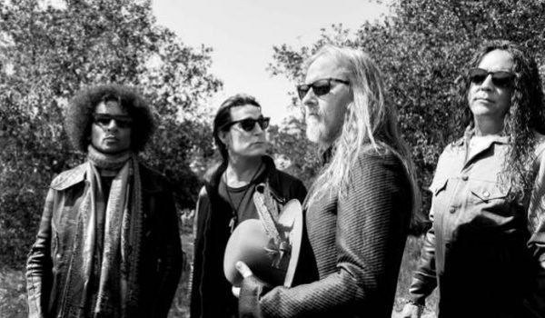 "Alice In Chains lança nova musica; ouça ""Never Fade"""