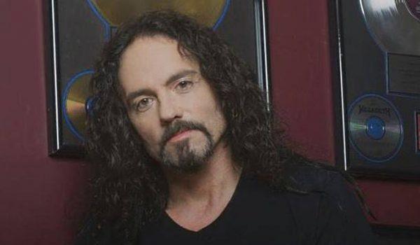 Nick Menza, ex-baterista do Megadeth ganhará biografia póstuma
