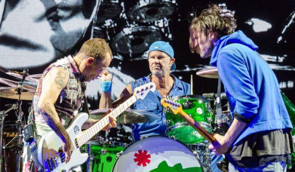 Red Hot Chili Peppers deve começar gravação de novo álbum em breve