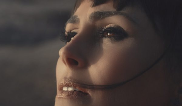 "Within Temptation lança videoclipe futurista; assista ""The Reckoning"""