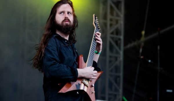 Oli Herbert, guitarrista do All That Remains, morre aos 44 anos