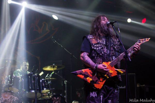 Max e Iggor Cavalera mostram o poder do Heavy Metal em show