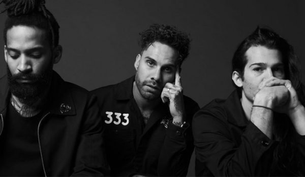 """Fever 333 anuncia primeiro disco de estúdio e lança inédita; ouça """"Burn It"""""""