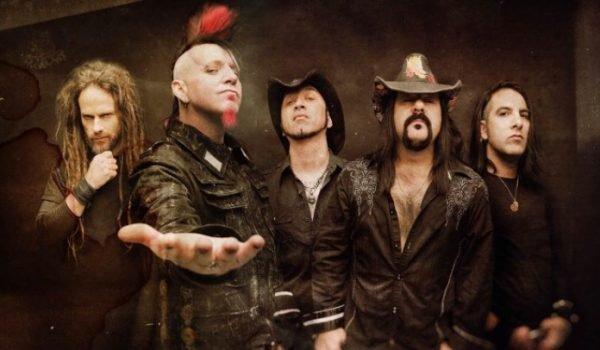 "Hellyeah divulga novo single com bateria de Vinnie Paul; ouça ""Perfect"""