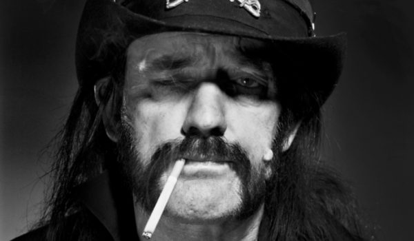 Um cigarro impediu que Lemmy, do Motörhead, tivesse dedos amputados