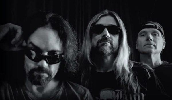 """Megadeth: ouça versão inédita de """"Wake Up Dead"""" com Menza, LoMenzo e Poland"""