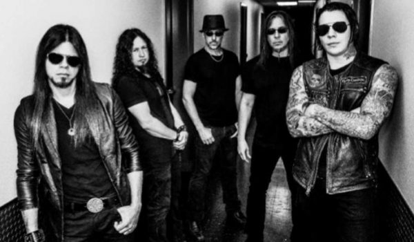 "Queensrÿche divulga novo single; ouça ""Man the Machine"""